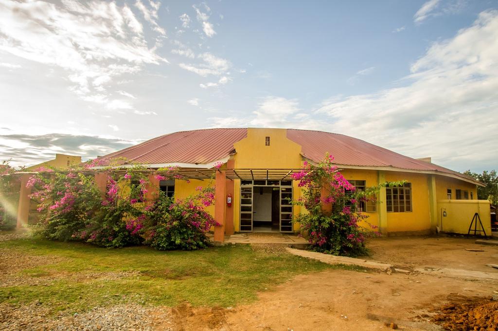 NV Fort Lugard Resort Hotel, Kigulu
