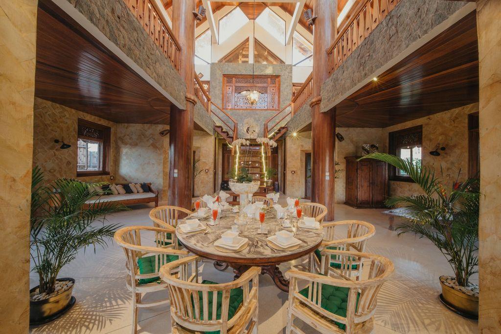 Massive Villa Brawa in Canggu, Badung