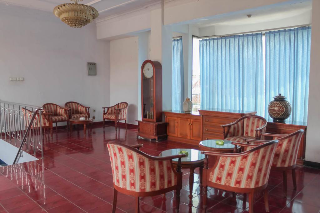 Hotel Rajawali, Cirebon