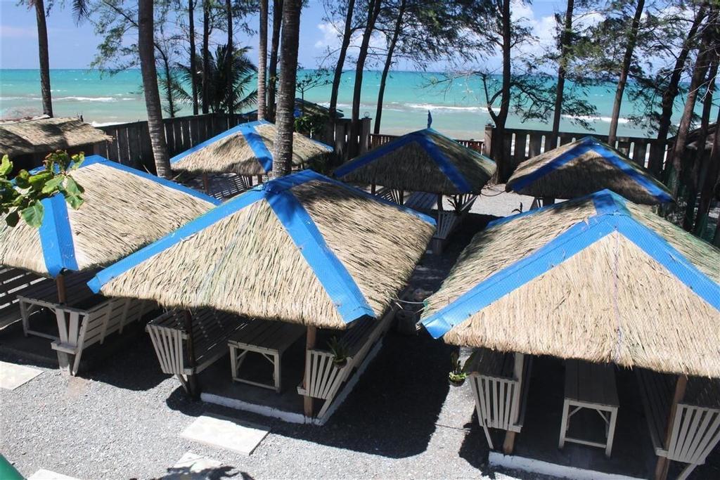 Blue Pavilion Beach Resort, Infanta
