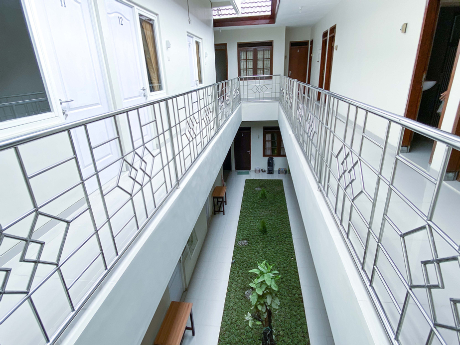RedDoorz Syariah @ Simpang Borobudur, Malang