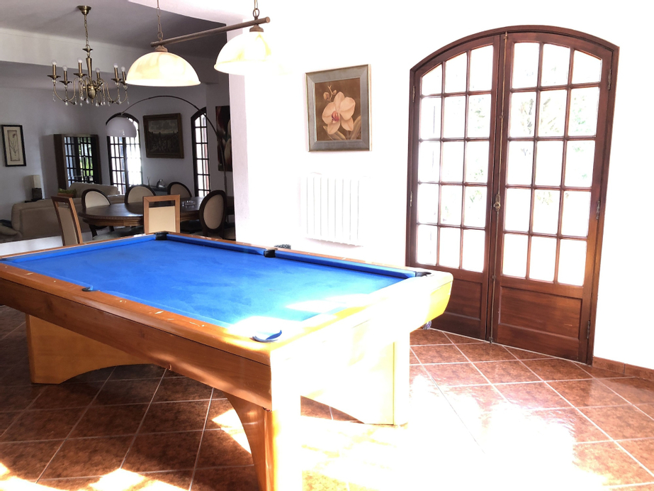 Aroeira's paradise villa with pool, Almada