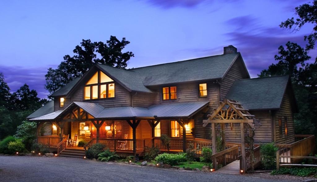 Bent Creek Lodge Bed & Breakfast, Buncombe