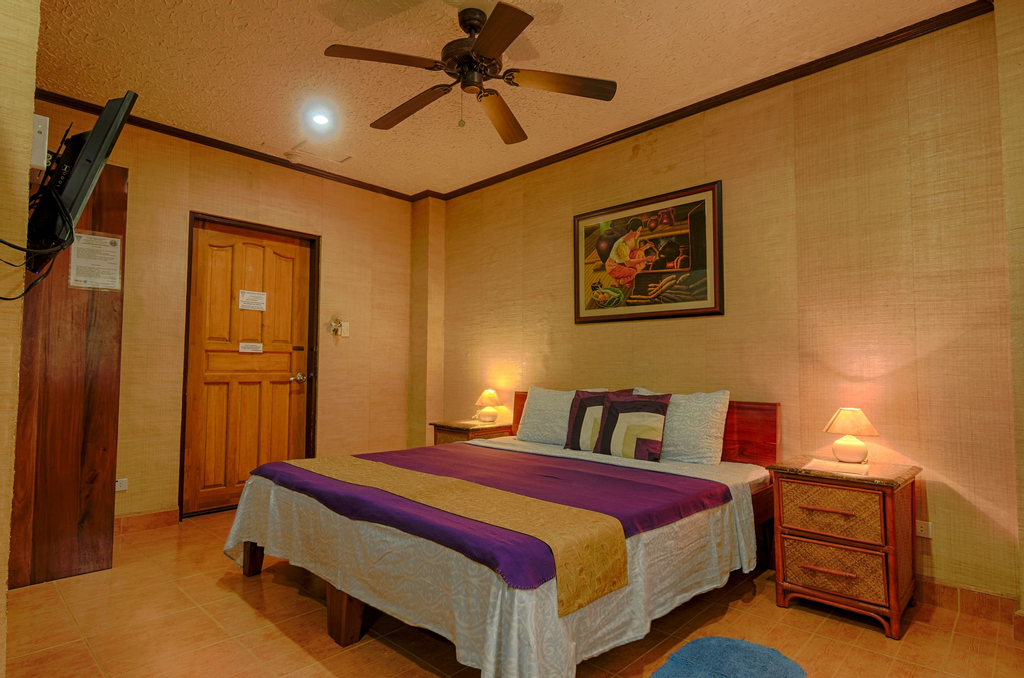 Hayahay Resort, Panglao