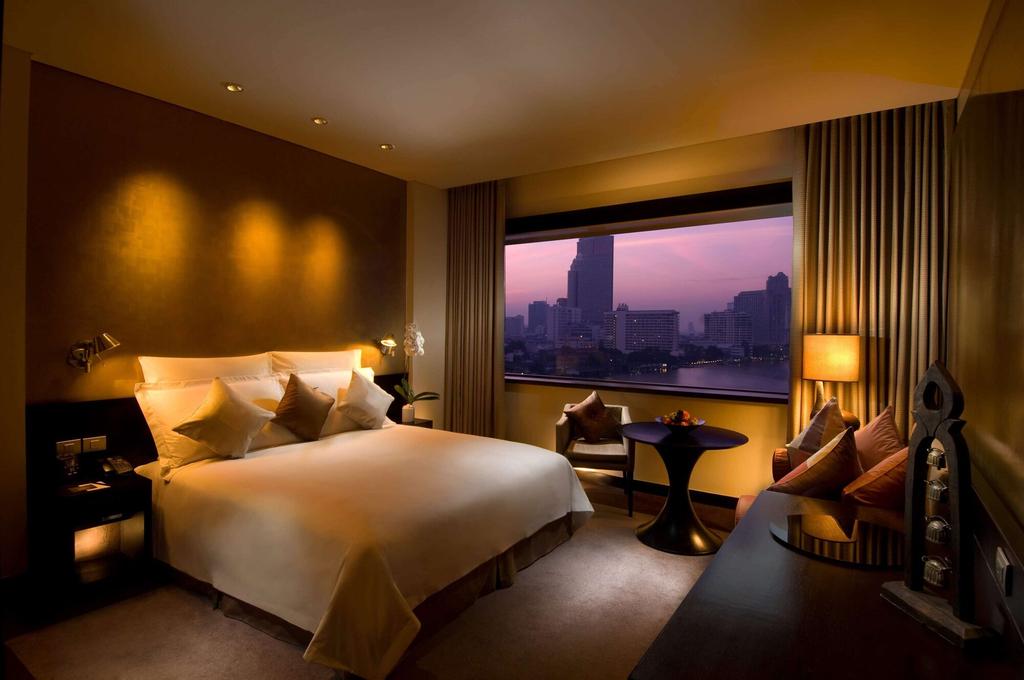 Millennium Hilton Bangkok, Khlong San