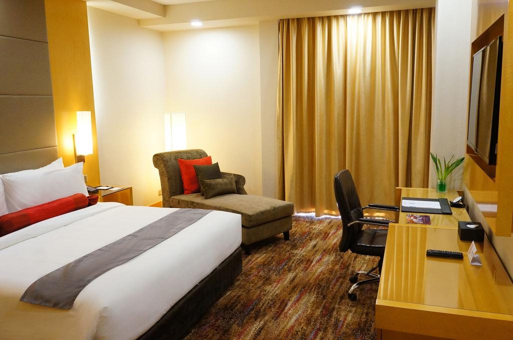 The Waterfront Hotel, Kuching