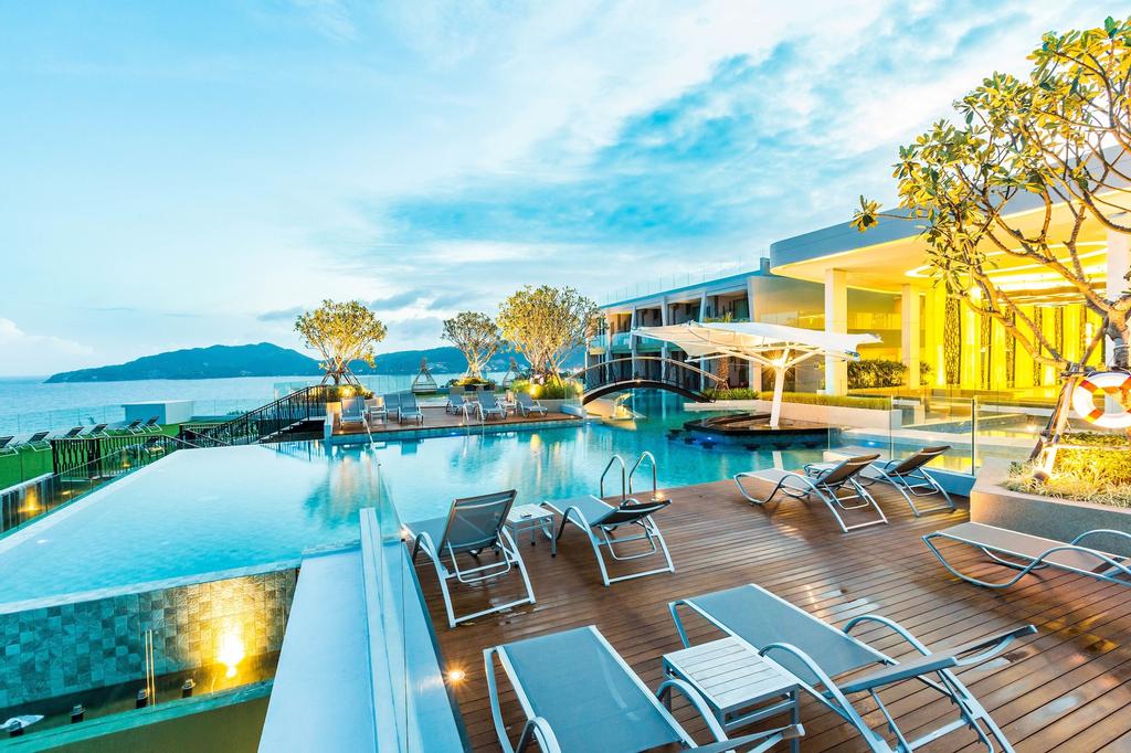 Crest Resort & Pool Villas, Pulau Phuket