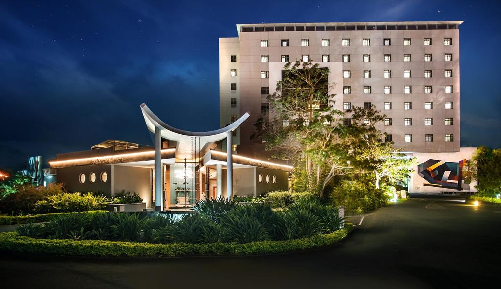Hennessy Park Hotel,