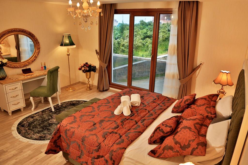 King Suite, Yomra