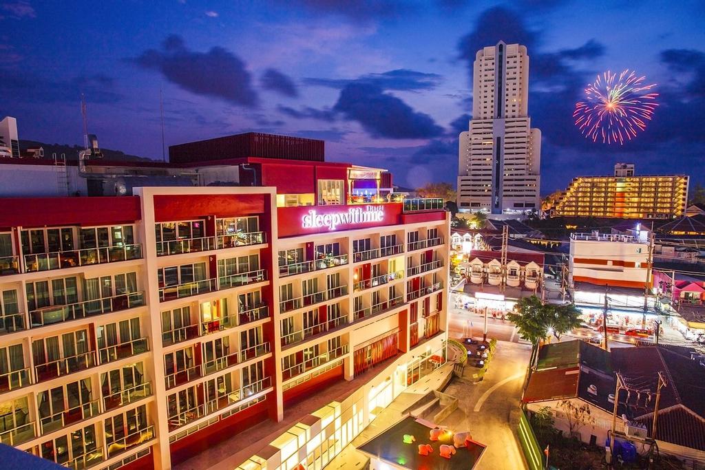 SLEEP WITH ME HOTEL design hotel @ patong, Pulau Phuket