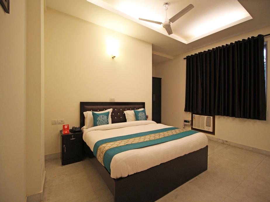 OYO 5216 Aksh Palace, Gurgaon