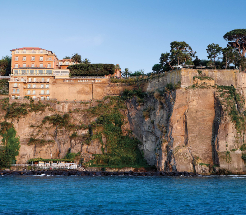 Grand Hotel Ambasciatori, Napoli