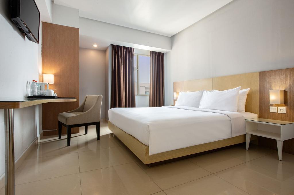 Hotel Santika Depok, Depok