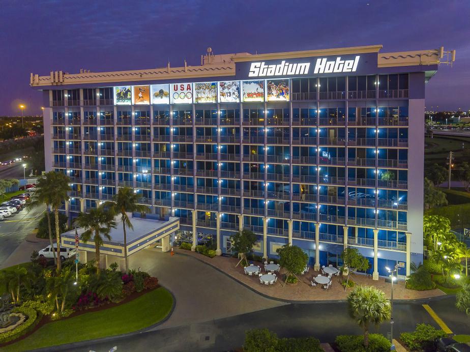 Stadium Hotel, Miami-Dade