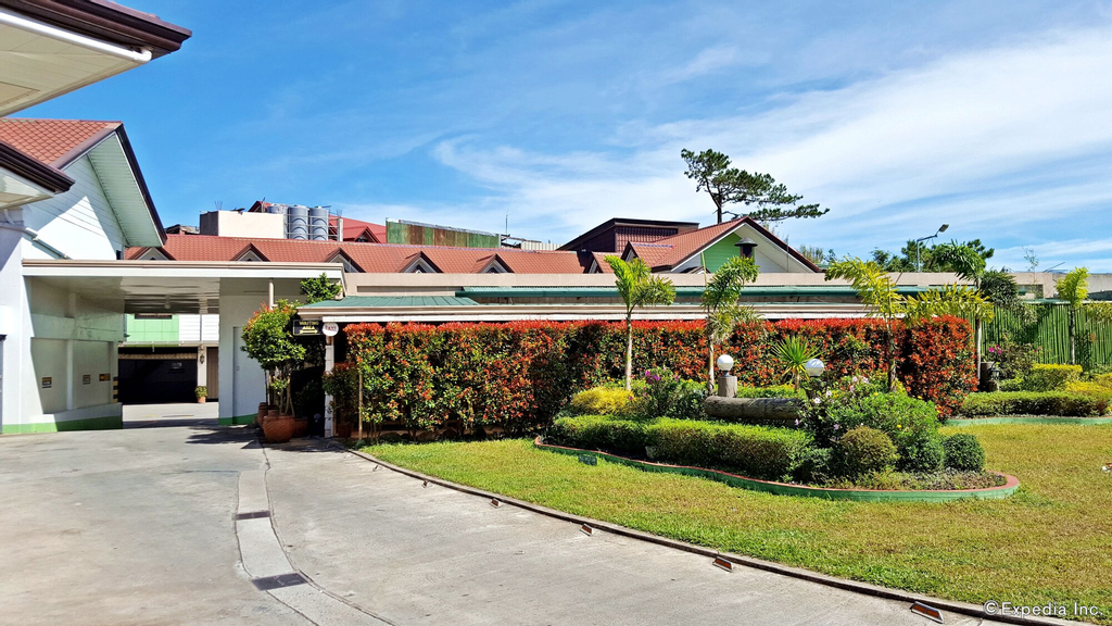 Hollywood Drive-In Hotel, Baguio City