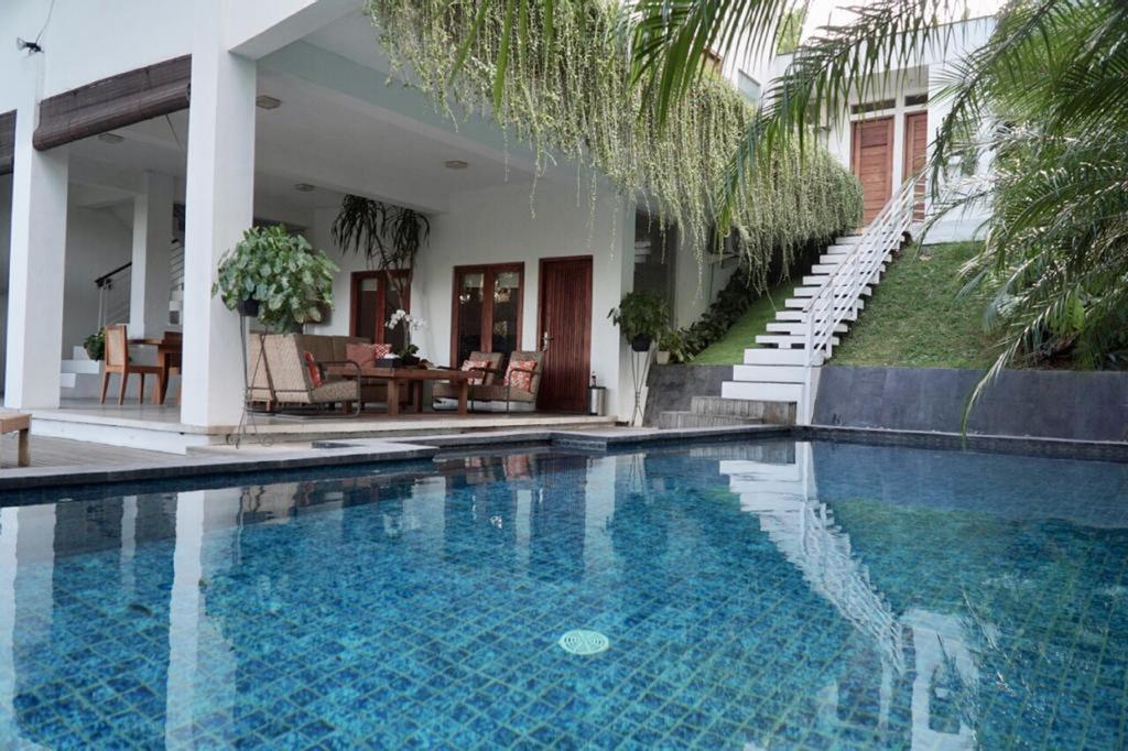 Villa Brata by WizZeLa, Badung