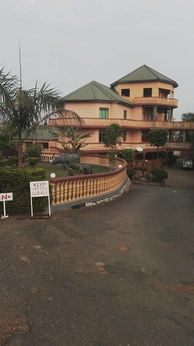 Crane Resort Hotel, Igara
