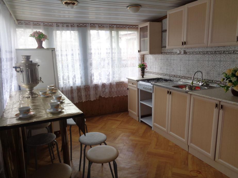 Guesthouse on Ordzhonikidze 18, Karachayevskiy rayon
