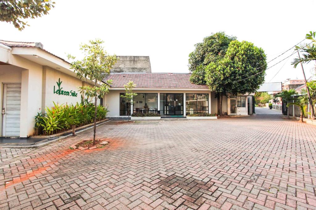LeGreen Suite Supomo On Komplek Keuangan, South Jakarta