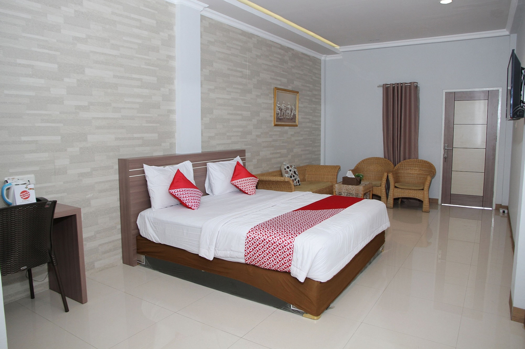 OYO 1265 Zamrud Hotel, Palu