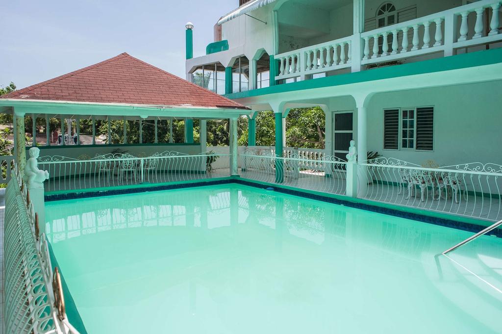 Diamond Villas and Suites,