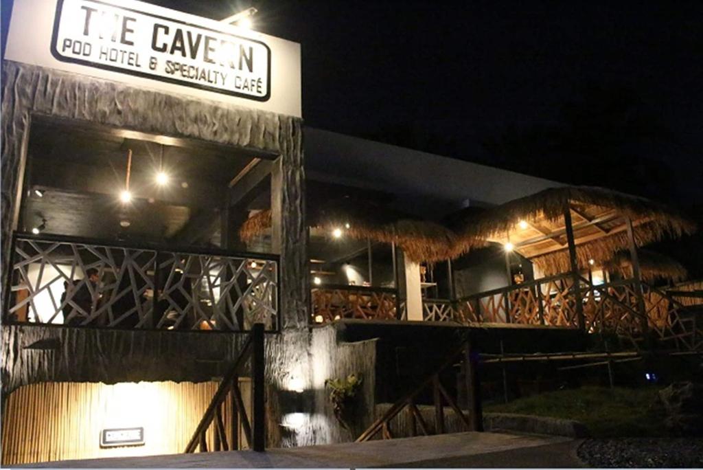 The Cavern Pod Hotel & Specialty Café - Hostel, El Nido
