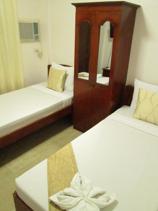 Casa D' Estrella Apartelle, Malay