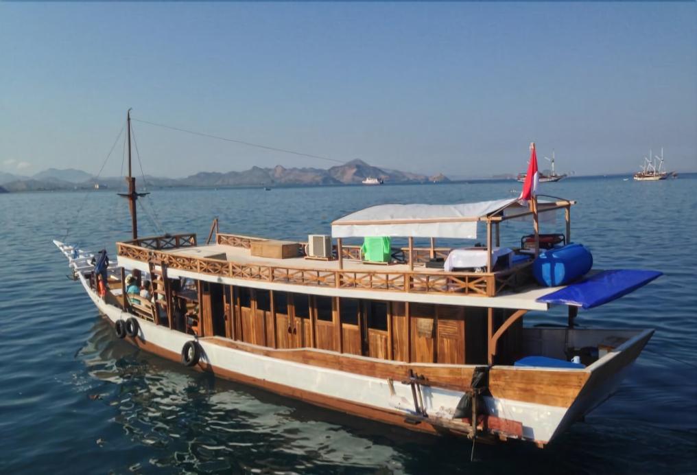 Komodo Boat Trip, Manggarai Barat