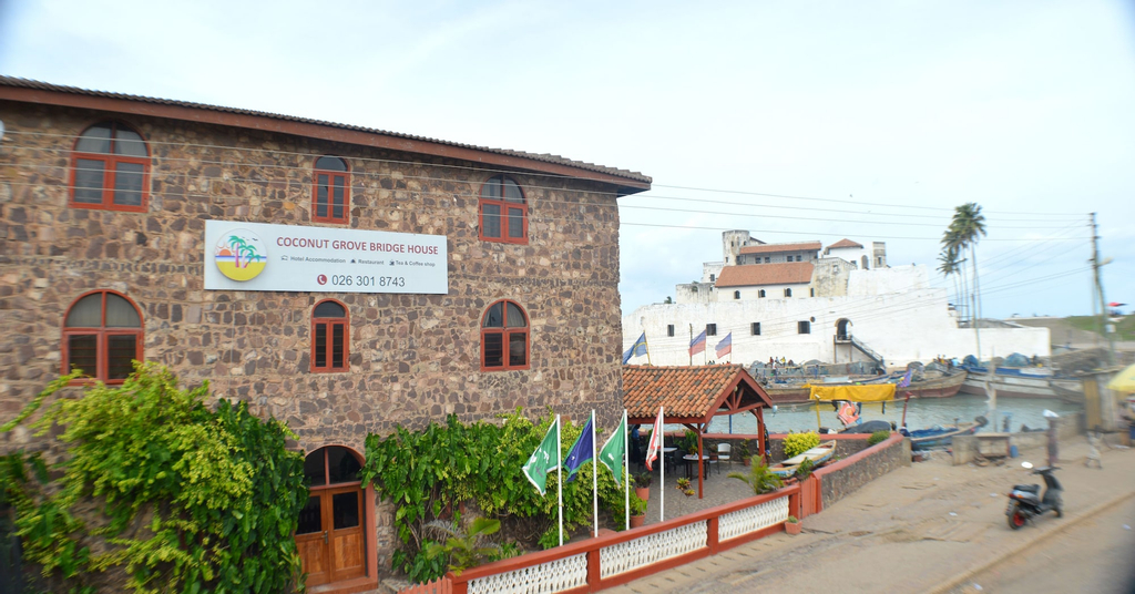 Coconut Grove Bridge House, Komenda-Edina-Eguafo-Abirem