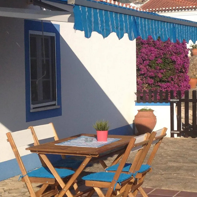 House With one Bedroom in Mafra, With Wonderful Mountain View, Pool Access, Enclosed Garden - 5 km From the Beach, Mafra