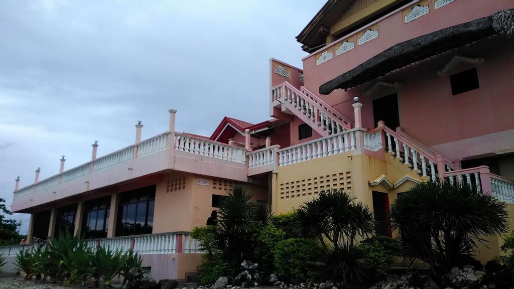 Beachview Pink Lodge, Pasuquin