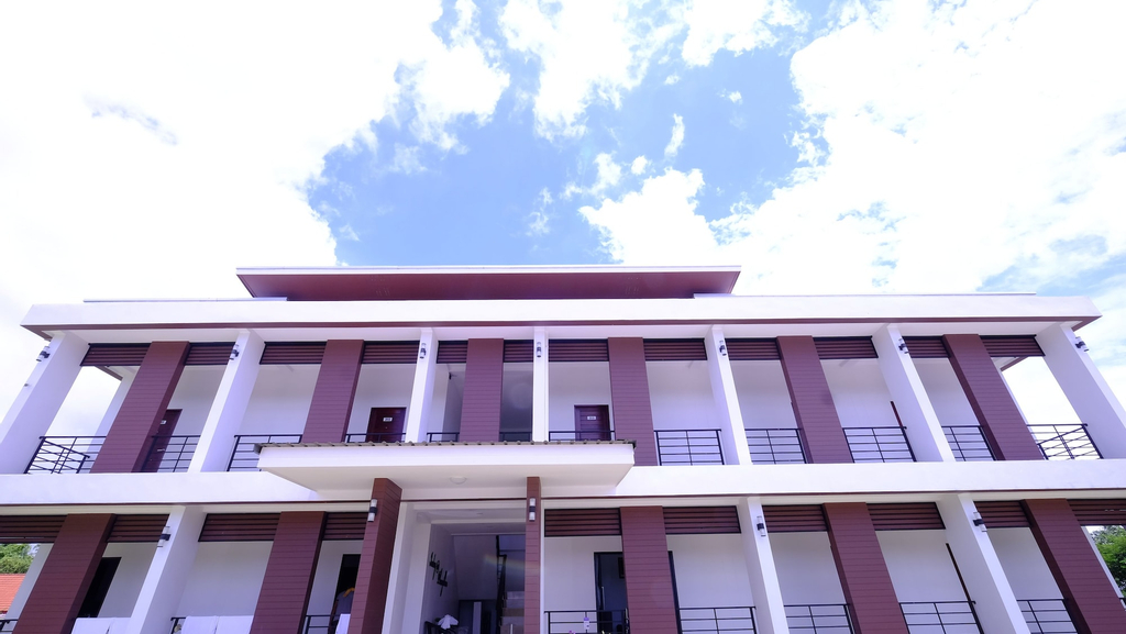 Inday Hotel, Phang Khon