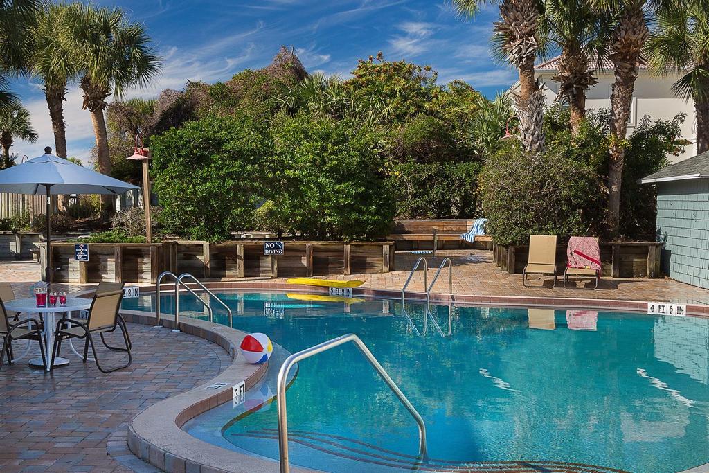 Ocean Gate at Hibiscus Resort, Saint Johns