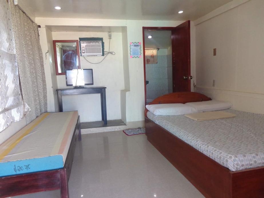 Lee Yon's Oceanfront Inn, Baler