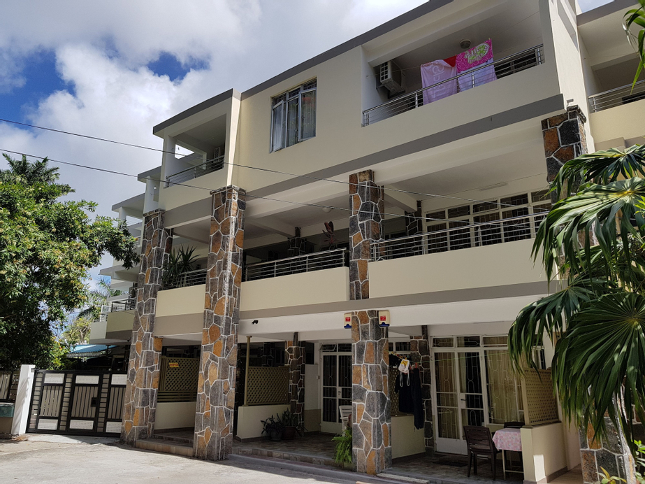 Pereybere Beach Apartments,