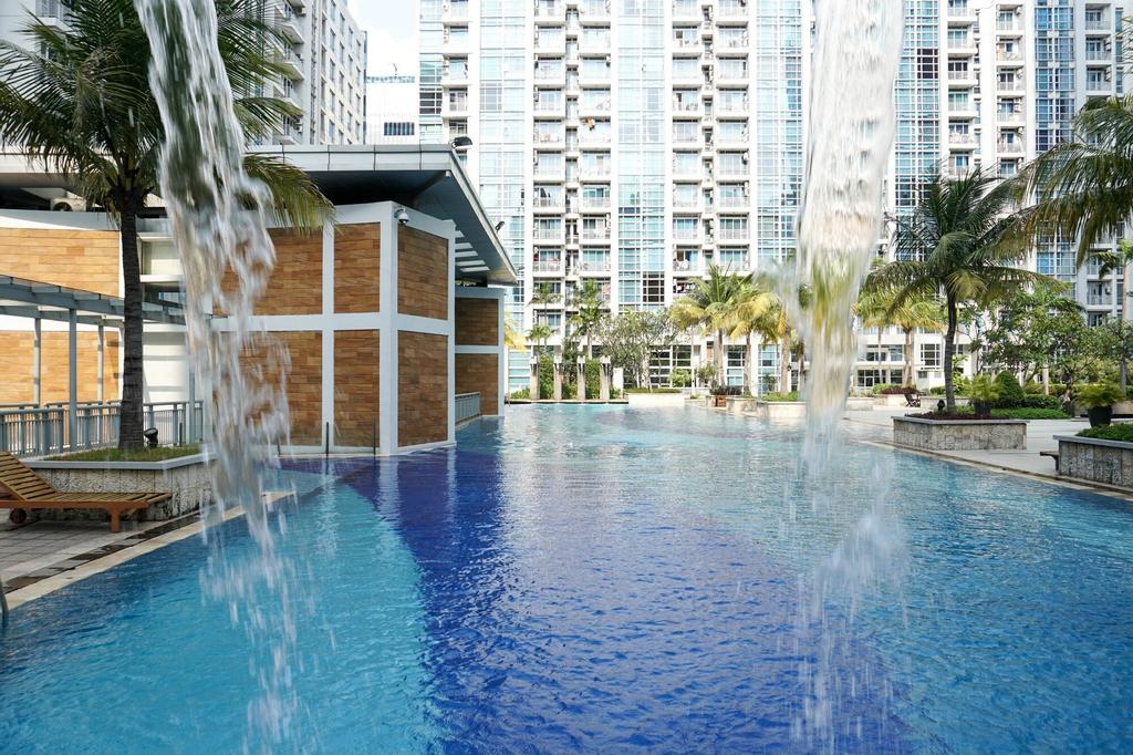 Spacious 2BR CBD Pluit Apartment near Emporium Pluit Mall, Jakarta Utara
