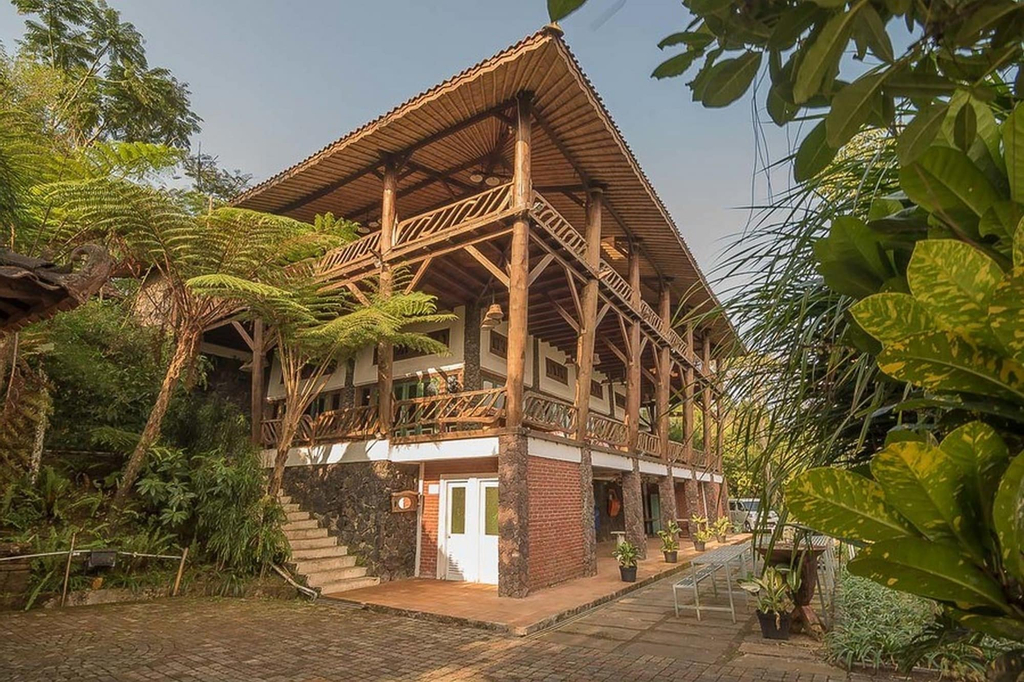 RedDoorz Resort @ Lembang 2, Bandung