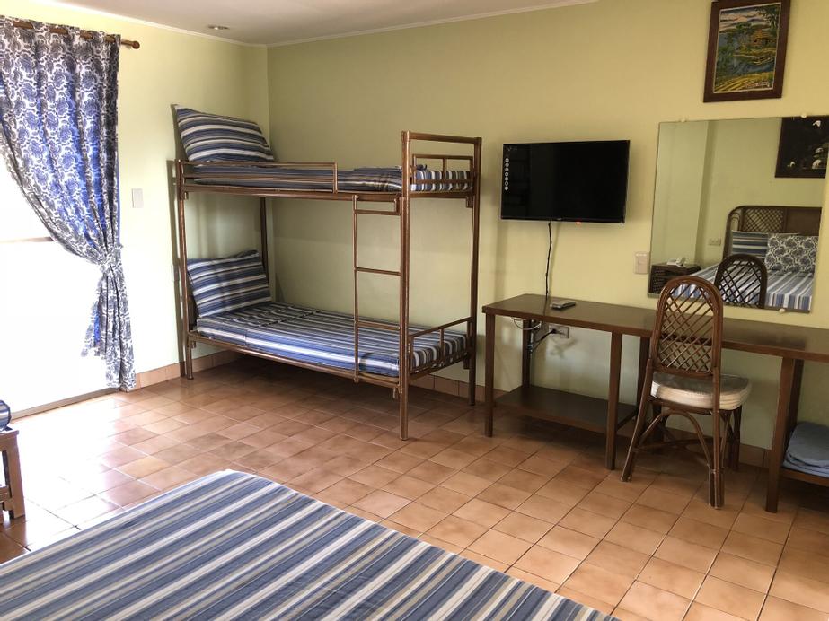 Lago de Oro Hotel & Wakepark, Calatagan