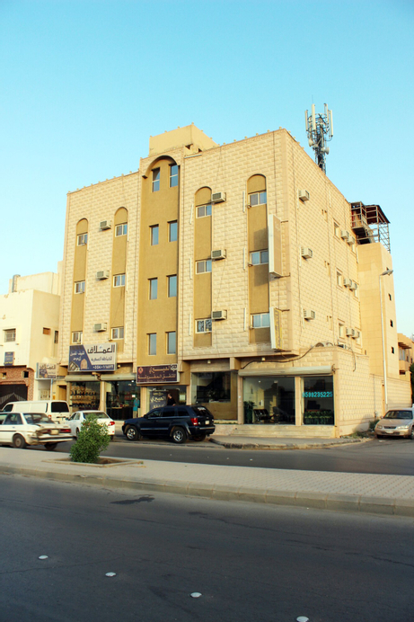Al Eairy Furnished Apartments Qassim 3,