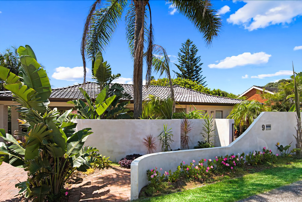 Cronulla Beach House Bed and Breakfast, Sutherland Shire - East