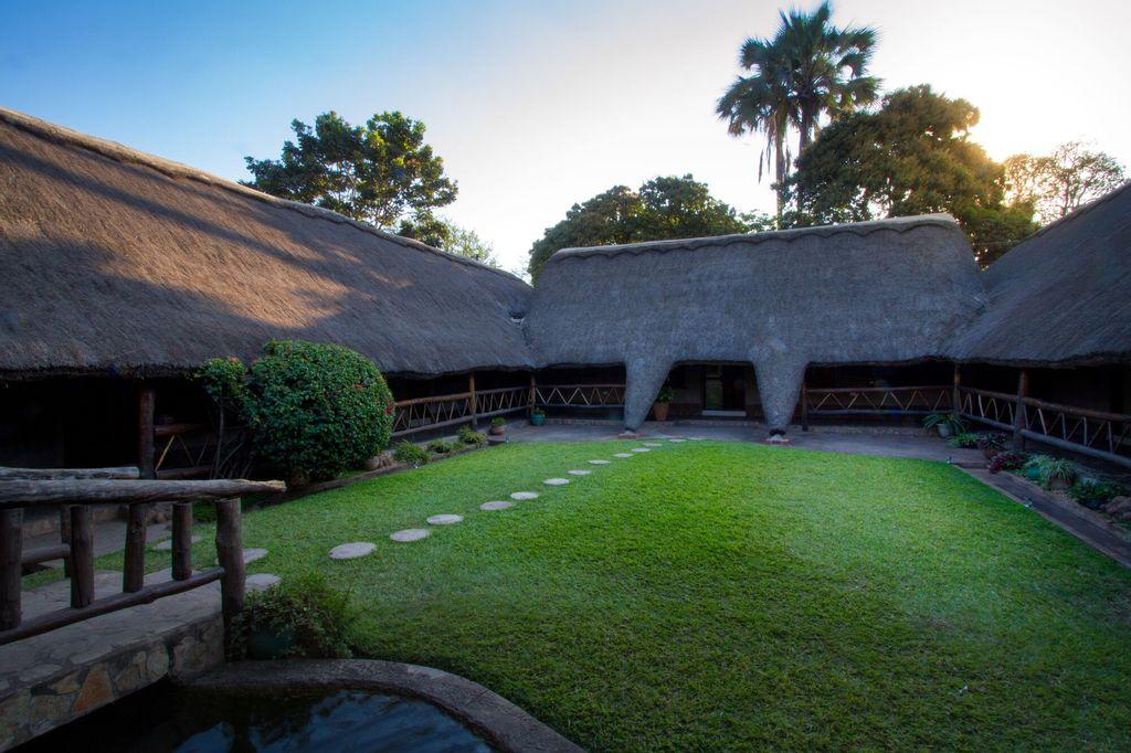 Ngolide Lodge, Livingstone