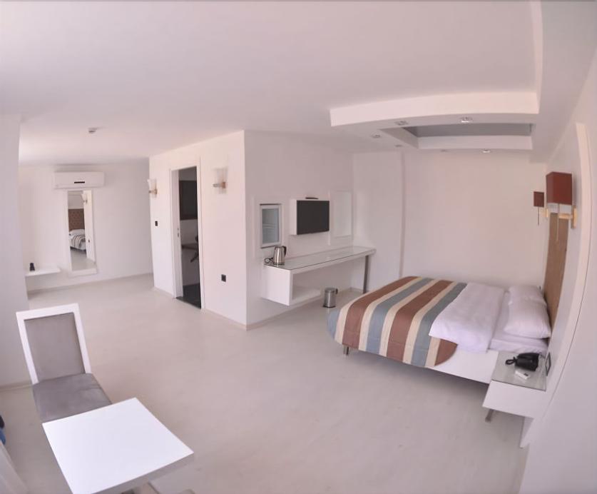 Sahin Hotel 2, Merkez