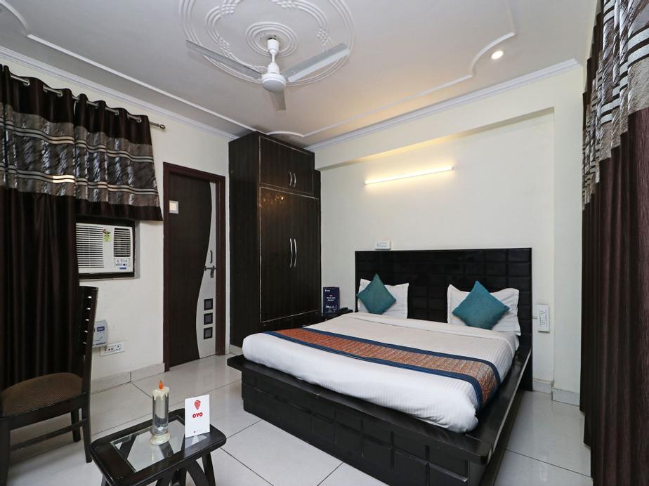 OYO 5258 MR Residency, Gurgaon