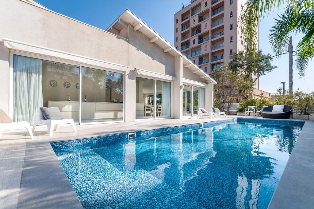 Magical Villa in Herzliya,