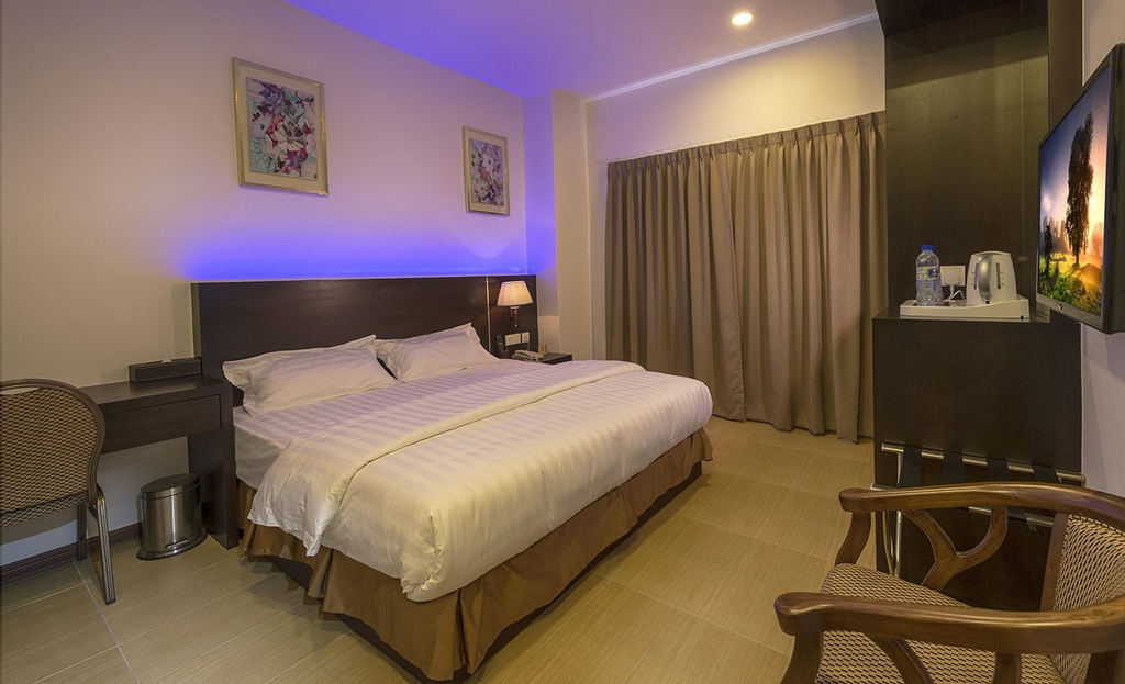 E-Red Hotel Cosmo, Seberang Perai Tengah