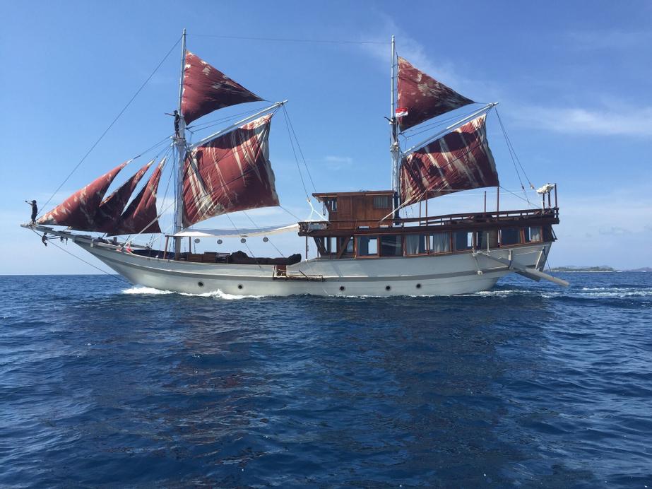 Nyaman Boat, Manggarai Barat