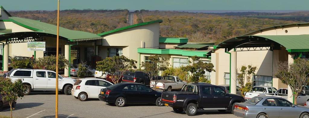 Cut Hotel, Makonde