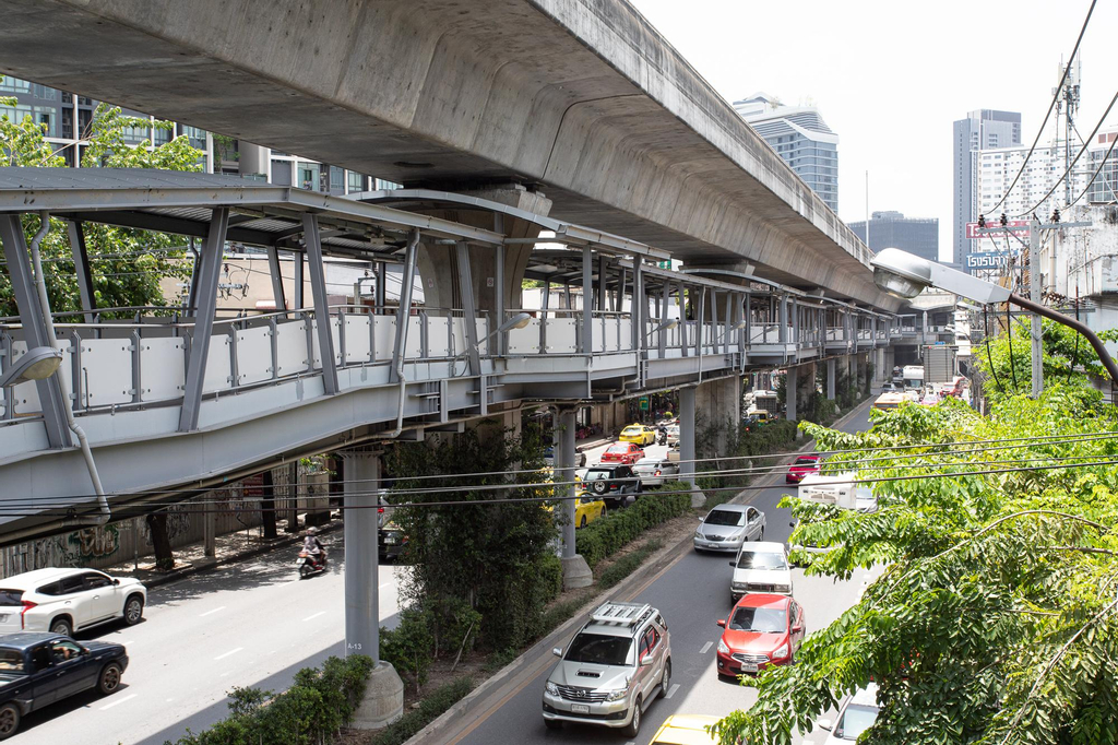 U2 Large 2 Bedrooms 100m to BTS station, Bang Na