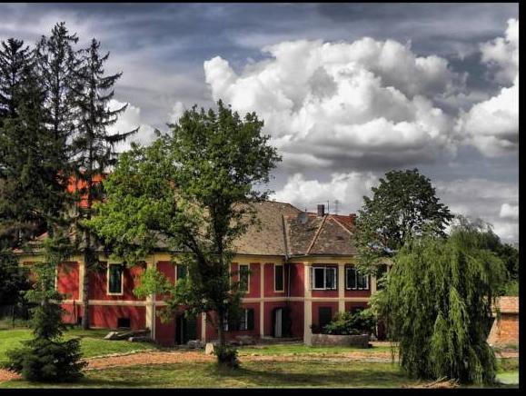 Wekler Csaladi Pinceszet es Panzio, Pécsváradi