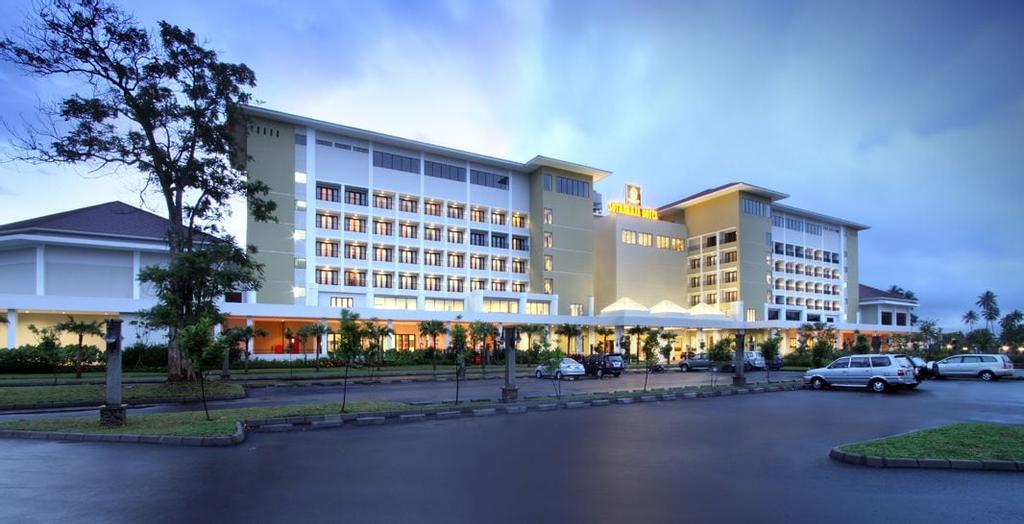 Sutan Raja Hotel and Convention Centre, Minahasa Utara